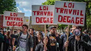 (Selon la CGT, l'ensemble des cortèges contre la loi Travail a rassemblé 500.000 personnes, 170 000 selon les autorités © MaxPPP)