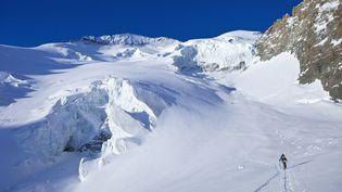 La Glacier Blanc sur la commune du Pelvoux (Hautes-Alpes), tout près du lieu de l'avalanche qui a coûté la vie à trois personnes. (JACQUES PIERRE / HEMIS.FR)