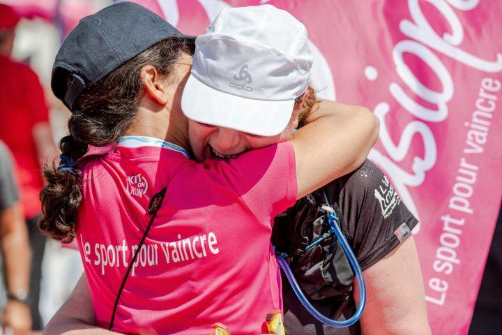 Grâce aux défis sportifs de Casiopeea, les participantes peuvent se dépasser ensemble.