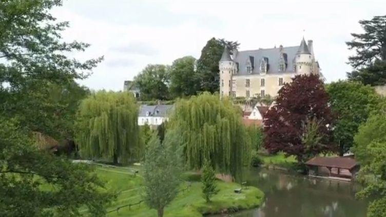 Montrésor, la plus slave des communes françaises, se trouve en Indre-et-Loire. Elle abrite un château, refuse d'un conte polonais. A l'époque, l'aristocrate fuyait le tsar. (CAPTURE ECRAN FRANCE 3)