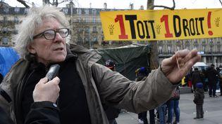 Jean-Baptiste Eyraud,porte-parole de l'association droit au logement, à Paris, en avril 2015. (BERTRAND GUAY / AFP)