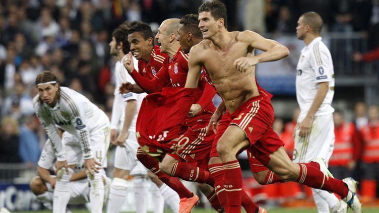 Contraste entre le bonheur des Munichois Gomez, Robben, Gustavo et Alaba et l'abattement des Madrilènes Sergio Ramos ou Pepe