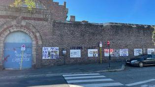 Une exposition dédiée aux 40 ans de l'abolition de la peine de mort a été taguée à Rennes. (France Bleu Armorique / Radio France)