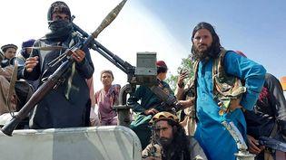 Des combattants talibans dansla provincede Laghman, en Afghanistan, le 15 août 2021. (AFP)
