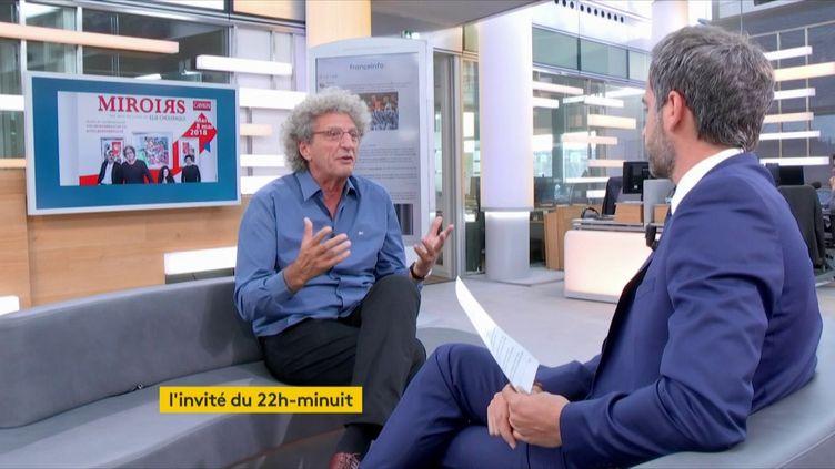 Elie Chouraqui, l'invité de Julien Benedetto dans le 22h-minuit. (FRANCEINFO)