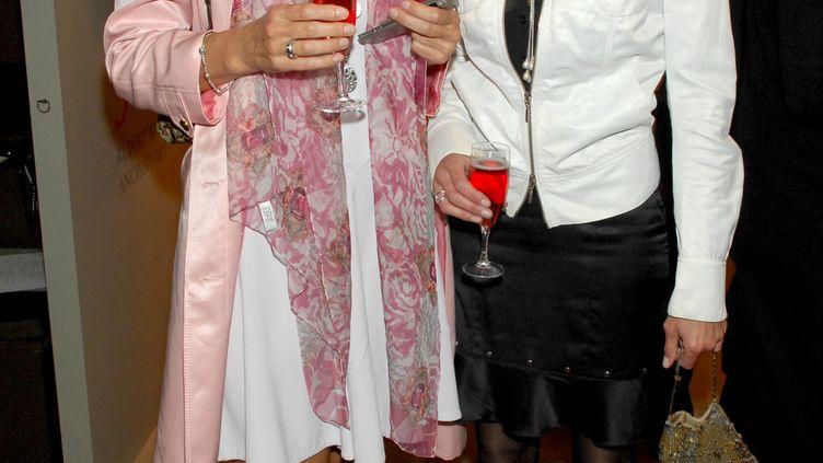 Nicola Johnson, l'ex-femme de Ziad Takieddine, à gauche, et Hélène de Yougoslavie, l'ex-femme de Thierry Gaubert, à droite. (ADWARD LLYOD / ALPHA / MAXPPP)