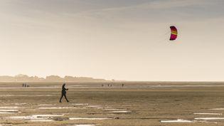 Sur la plage du Crotoy (Somme), le 30 mars 2015. (STÉPHANE BOUILLAND / BIOSPHOTO / AFP)