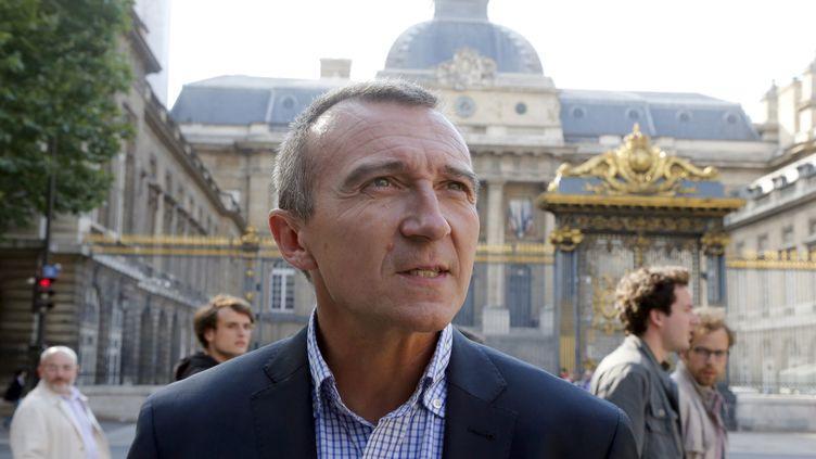 Maitre Laurent-Franck Lienard,devant le Palais de justice de Paris le 21 juillet 2012. (PIERRE VERDY / AFP)