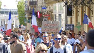 Des manifestants contre le pass sanitaire, à Montpellier, le 4 septembre 2021. (GIACOMO ITALIANO / HANS LUCAS / AFP)