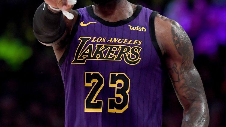 Le basketteur américain Lebron James, le 21 décembre 2018, à Los Angeles (Etats-Unis). (HARRY HOW / GETTY IMAGES NORTH AMERICA)