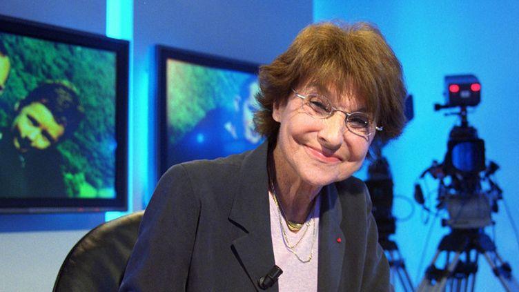 Éliane Victor sur La Chaîne Parlementaire (LCP) le 31 octobre 2000 à Paris  (Manoocher Deghati / AFP)