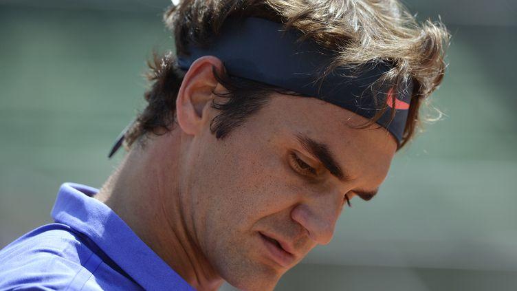 Roger Federer, dimanche 24 mai 2015 à Roland-Garros (Paris). (MIGUEL MEDINA / AFP)