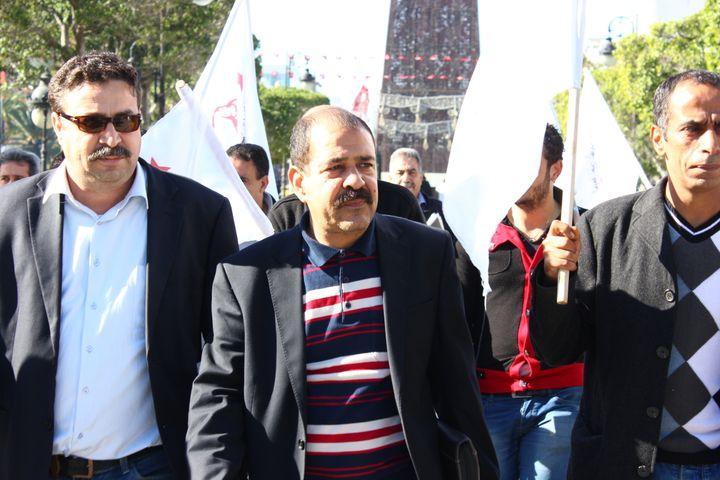 Chokri Belaïd (au centre), un des leaders de l'opposition tunisienne, le 25 novembre 2012 à Tunis. (CITIZENSIDE.COM / AFP)