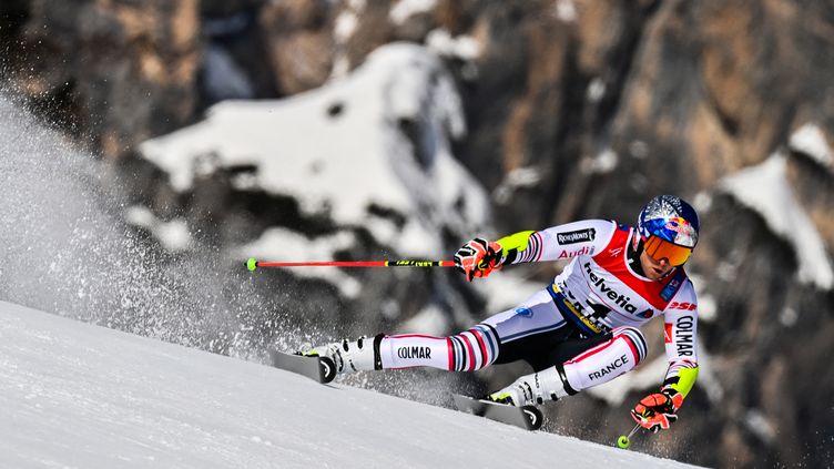 Alexis Pinturault lors de la première manche du géant des championnats du monde, vendredi 19 février 2021. (FABRICE COFFRINI / AFP)