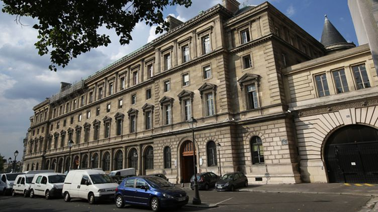"""(Vue du """"36"""" quai des Orfèvres, le siège de la police judiciaire parisienne, où avait été commis le vol © Maxppp)"""