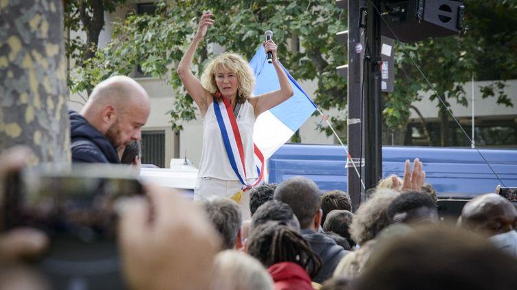 La députée Martine Wonner lors d'une manifestation contre l'extension du pass sanitaire à Paris, le 17 juillet 2021. (JACOPO LANDI / HANS LUCAS / AFP)