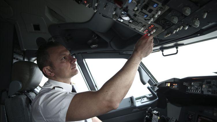 Un pilote de Turkish Airlines en 2017. (BERK OZKAN / ANADOLU AGENCY)