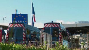 Covid-19 : premiers contrôles aux frontières des pays de l'Union européenne (FRANCE 3)