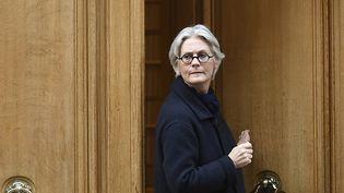Penelope Fillon quitte son appartement parisien, le 27 mars 2017. (LIONEL BONAVENTURE / AFP)
