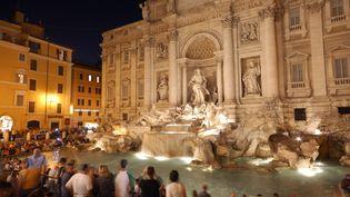 Les touristes ne pourront plus manger de sandwichs devant la fontaine de Trevi(Rome). (MATTES RENE / HEMIS.FR / AFP)