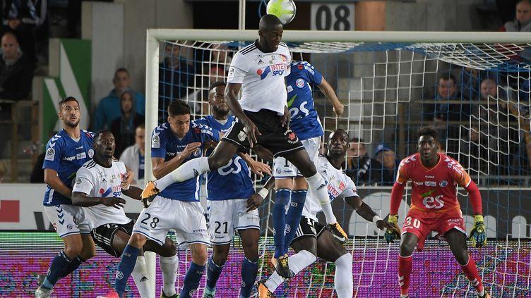 Amiens se met au niveau de la Ligue 1 (PATRICK HERTZOG / AFP)