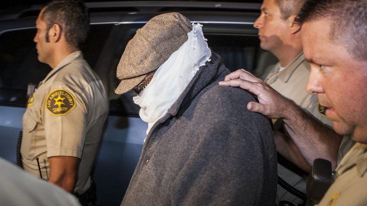 Nakoula Basseley Nakoula (C) escorté par les adjoints du sheriff à Cerritos en Californie, le 15 septembre2012. (BRET HARTMAN / REUTERS )