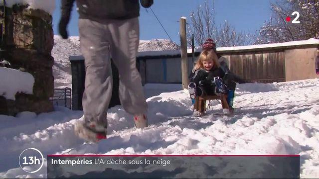 Météo : première neige en trois ans en Ardèche