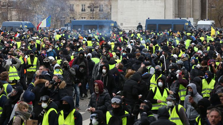 """Des """"gilets jaunes"""" manifestant le 12 janvier à Paris. (?TATIF/WOSTOK PRESS / MAXPPP)"""