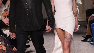 Le styliste Antonio Grimaldi et l'actrice Asia Argento, le 21 janvier 2019 à Paris. (DAVID FISHER/REX/SHUTTERSTOCK/SIPA / SHUTTERSTOCK)