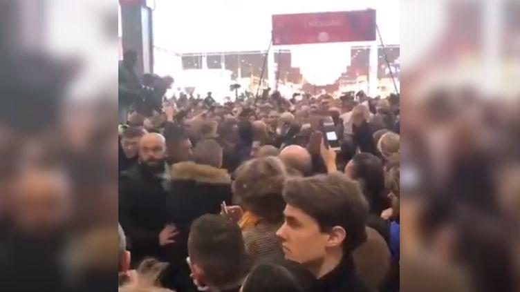Des huées contre Emmanuel Macron au Salon de l'agriculture, en février 2018. (EMMANUEL LECHYPRE /TWITTER)