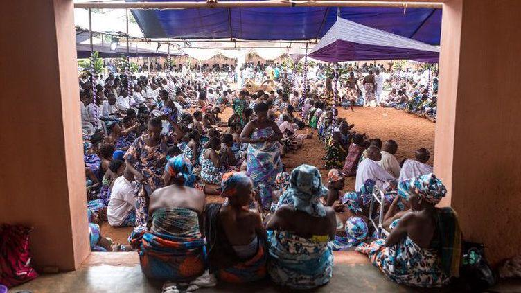 Cérémonie en l'honneur du défunt roi d'Abomey au Bénin, Agoli Agbo, le 11 août 2018. (YANICK FOLLY / AFP)