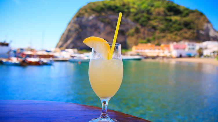 La limonade est recommandée en cas de fortes chaleurs, en raison de la présence de citron. (JEAN-MARC DAVID / SIPA)