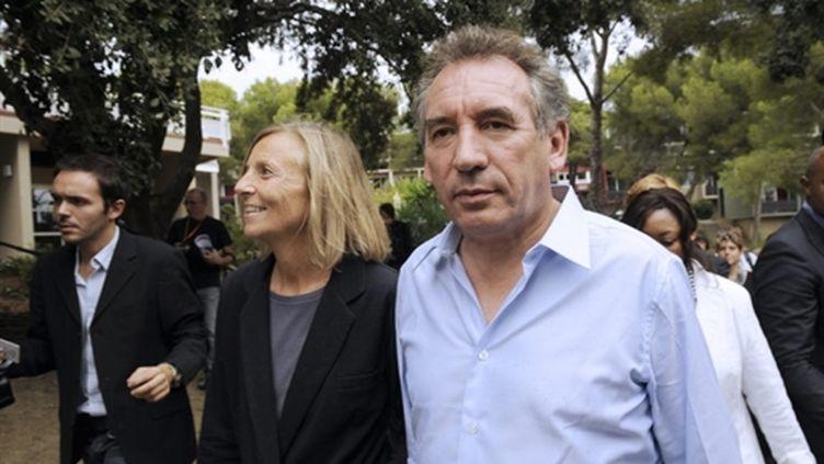 François Bayrou avec Anne-Marie Sarnez, à Hyères (Var), le 24/09/2010 (AFP/Anne-Christine Poujoulat)
