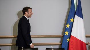 Emmanuel Macron lors de sa visite à Mulhouse (Haut-Rhin), le 18 février 2020. (JEAN-FRANCOIS BADIAS / POOL)
