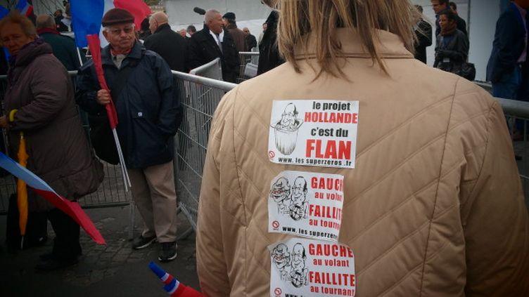 Madeleine est venue soutenir Sarkozy à la Concorde dimanche 15 avril 2012. (ARIANE NICOLAS / FTVI)