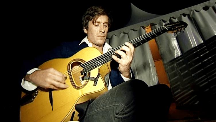 Thomas Dutronc aux Nuits de la Guitare de Patrimonion(Haute-Corse)  (France 3 / Culturebox)