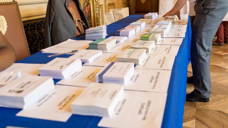 À peine plus de 35 % des moins de 35 ans ont voté dimanche dernier. Un chiffre historiquement bas. (JULIEN MATTIA / NURPHOTO)