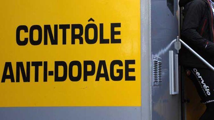 Le contrôle anti-dopage, passage obligé pour les coureurs...