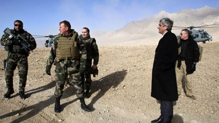 Hervé Morin en Afghanistan en 2008 (AFP/JOEL SAGET)