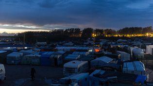 """Vue aériennede la """"jungle"""" de Calais(Pas-de-Calais),le 16 octobre 2016. (MARKUS HEINE / NURPHOTO / AFP)"""