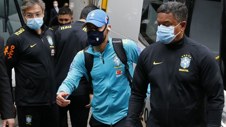 Neymar et ses coéquipiers de la sélection brésilienne ont exprimé leur opposition à l'organisation de la Copa America au Brésil. (SILVIO AVILA / AFP)