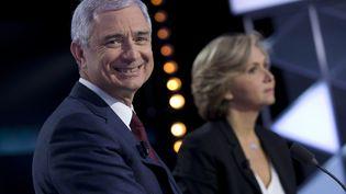 Le candidat PS Claude Bartolone et son adversaire Valérie Pécresse (LR), lors d'un débatd'entre-deux toursdes élections régionales, le 9 décembre 2015. (KENZO TRIBOUILLARD / AFP)