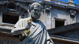 Une statue de Saint Pierre, au Vatican. (TERRY WHY / PHOTOLIBRARY RF / GETTY IMAGES)