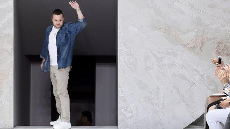 Kim Jones, directeur artistique des collections homme Louis Vuitton en juin 2014  (PATRICK KOVARIK / AFP)