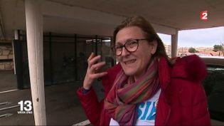 Catherine Chantelot, une militante qui soutient la candidature de François Fillon, le 4 mars 2017, à Marseille. (FRANCE 2)