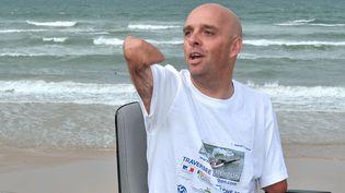 Le sportif amputé des quatre membres Philippe Croizon, le 20 septembre 2010 à Wissant (Pas-de-Calais). (PHILIPPE HUGUEN / AFP)