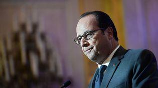 """François Hollande durant son discours """"Refaire la démocratie"""", àl'Hotel de Lassay àParis, jeudi 6 octobre. (STEPHANE DE SAKUTIN / POOL / AFP)"""