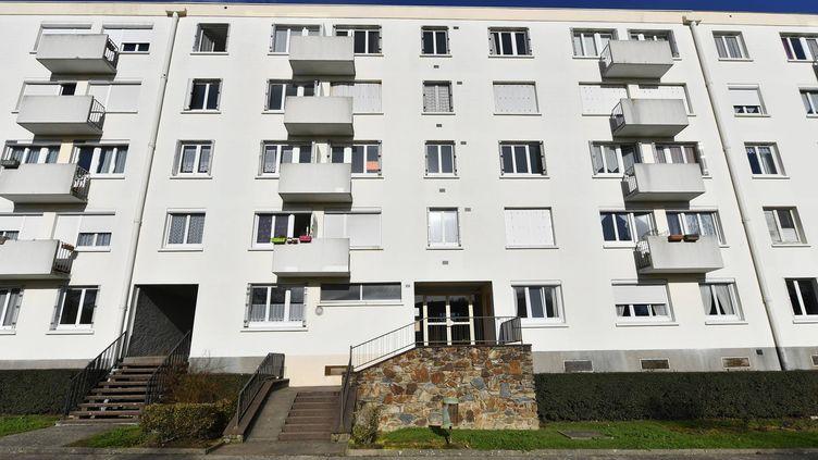 L'immeuble où le garçon de 8 ans s'est noyé dans la baignoire de l'appartement familial, le mercredi 11janvier. (MARC ROGER / MAXPPP)