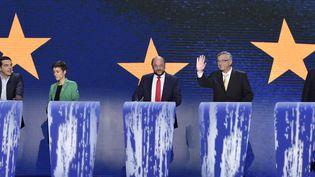 Quatre des cinq candidats déclarés à la présidence de la Commission européenne, avant le débat qui les a opposés, le 15 mai 2014, à Bruxelles (Belgique). (JOHN THYS / AFP)
