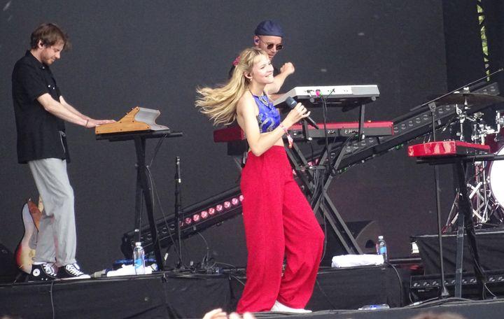 L'adorable Angèle samedi sur la scène principale de We Love Green.  (Laure Narlian / Culturebox)
